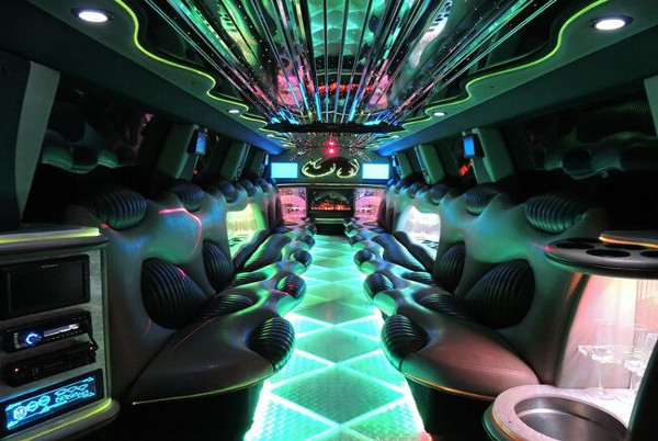Hummer Limo Near New Orleans