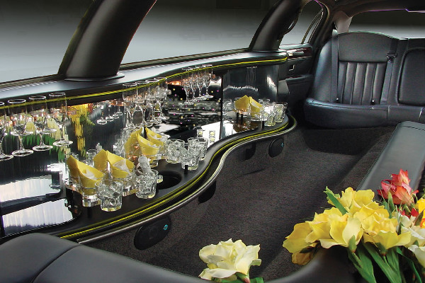 Lincoln Stretch Limo In New Orleans Interior