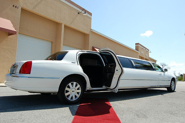 New Orleans Stretch Limo Rental